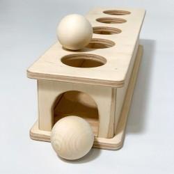 Коробочка-горка с шариками